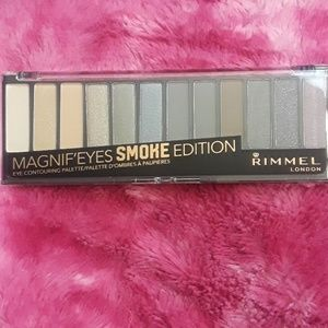 Rimmel Magnif'Eyes Eyeshadow Palette -0.5 oz